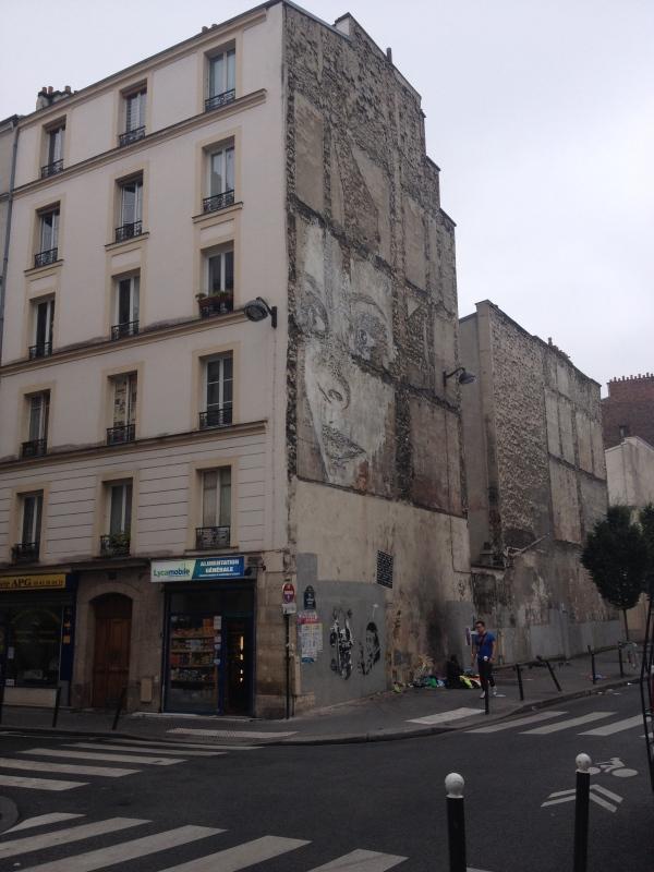 eye contact street art Rue de la Fontaine au Roi, Paris